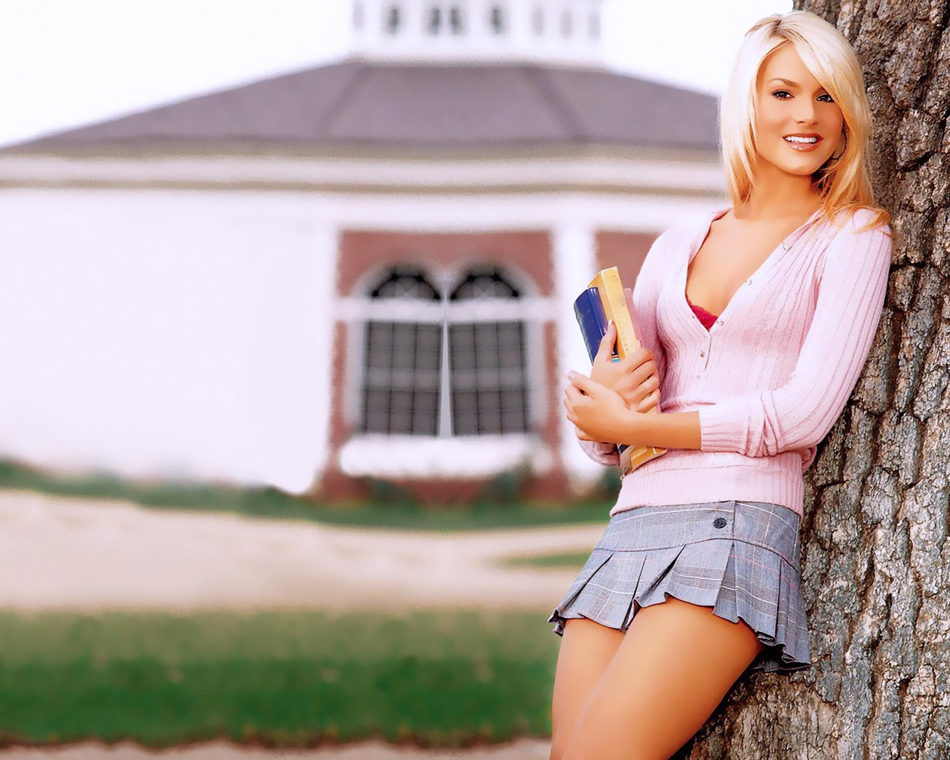 Teen girls in micro short pics