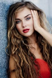 Layered-Hairstyles-for-Long-Wavy-Hair