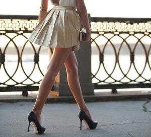 Miniskirt-a-pieghe