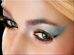 Colored-Mascara-–-Tips-Choosing-and-Best-Mascara-Colors