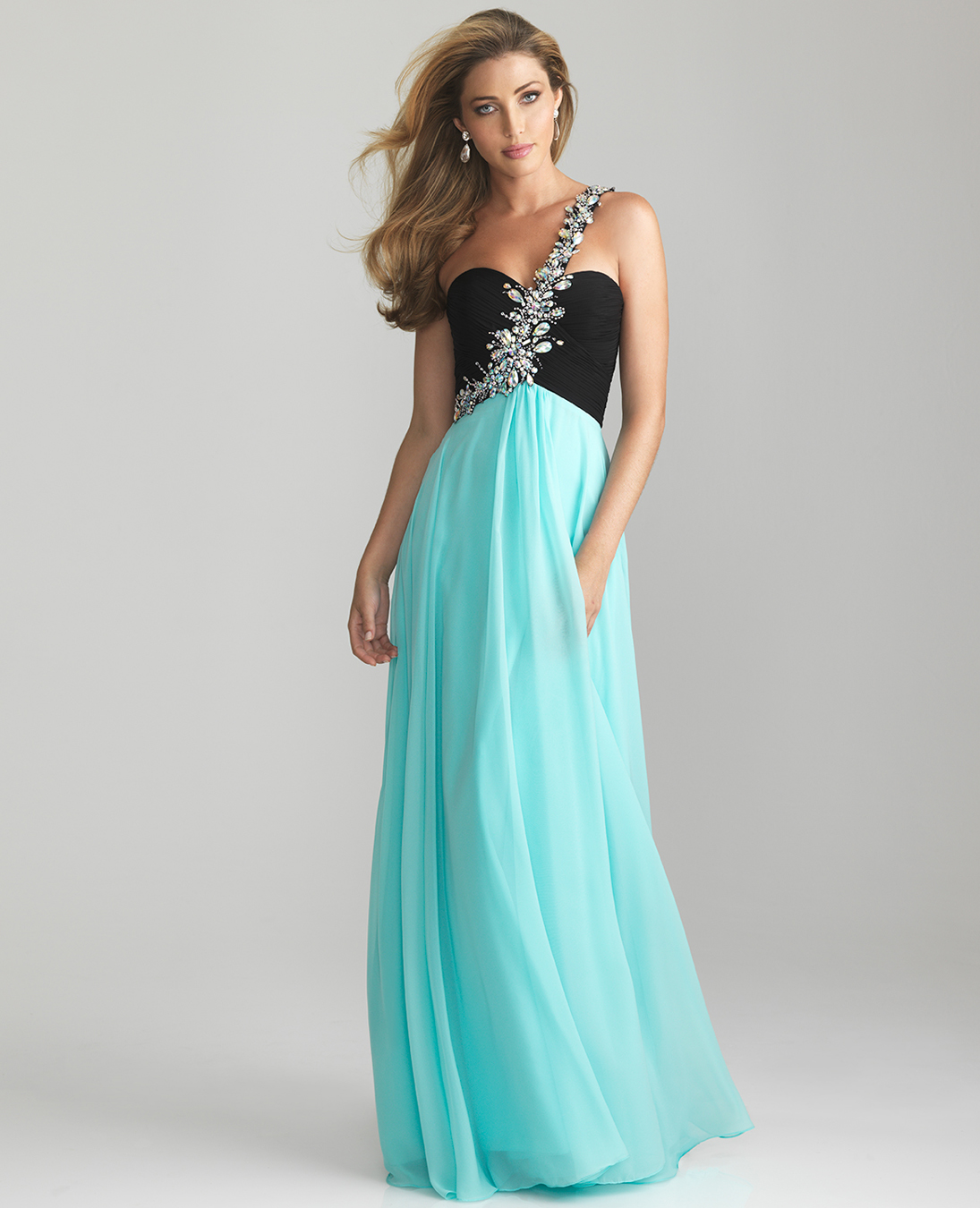 STEAL THE SCENE FROM THE PROM QUEEN IN THESE GORGEOUS GOWNS ...