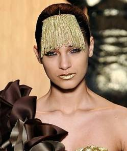 549e0b02700ef_-_makeup-trend-gold-lipstick-lg