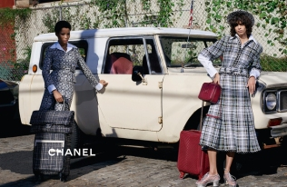 chanel-spring-summer-2016-ready-to-wear-campaign-06