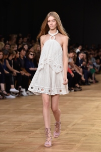 chloe-runway-paris-fashion-week-womenswear-spring-summer-201-1