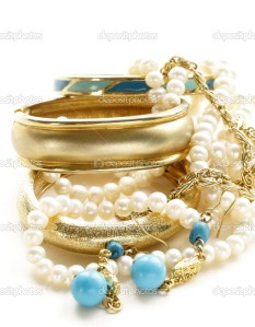 depositphotos_34120203-Gold-turquoise-jewelry-and-pearl-on-a-white-background