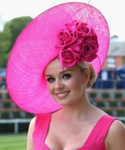 Distinctive-Designs-Of-Flower-Hats-For-Girls-3