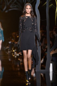 Elie+Saab+Runway+Paris+Fashion+Week+Womenswear+9CXxbKoyGP3l