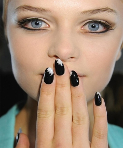 Fashion-Week-Inspired-Nail-Art-Trends-2013