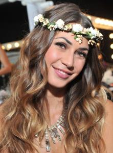 floral-headband-hairstyles