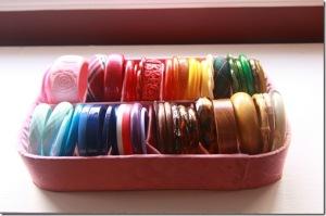 How to store vintage bangle bracelets_1_thumb[1]