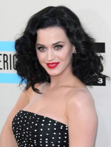 katy-perry-ama-2013-red-lipstick-black-curly-hair-main