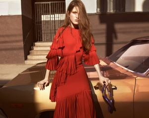 luxury-italian-fashion-house-gucci-fringed-dress-in-red-fw2016-adv