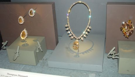 national_museum_of_natural_history_gold_colored_diamonds