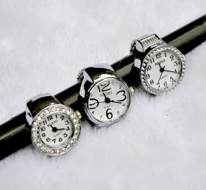 New-fashion-ring-watch-finger-ring-watches-quartz-crystal-ring-watch-12pcs-lot-mixed-order