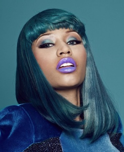 Nicki-Minaj-wearing-purple-lipstick