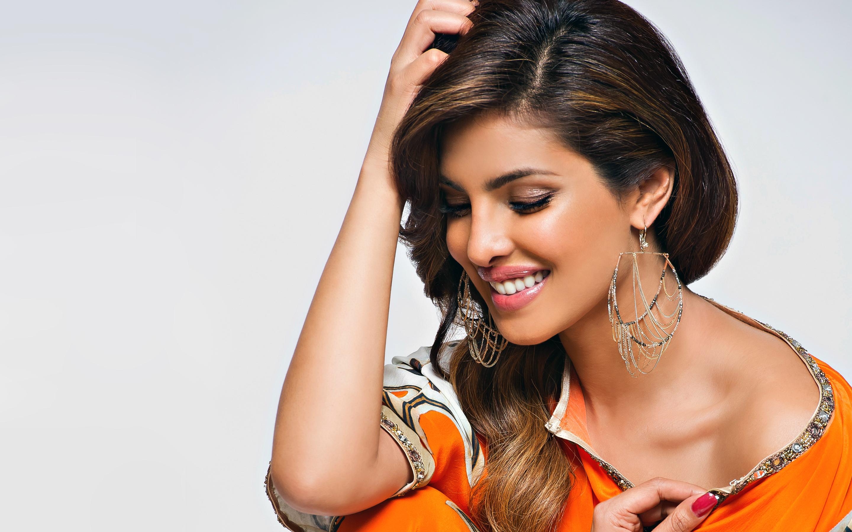 priyanka_chopra_bollywood_actress-wide