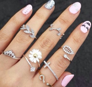 wce7uh-l-610x610-jewels-nail+accessories-hinged+rings-rings-cute-ring-flower-cross-leaves-nature-fashion-beautiful-daisy-sunflower+rin