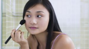 woman-blush-how-apply-blush_650x366