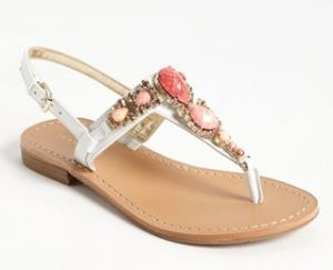 womens-wear-flat-sandals-collection