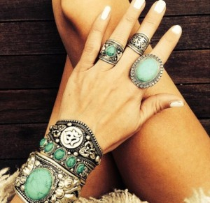 wrkfsd-l-610x610-jewels-jewelry-bracelets-silver-boho-hippy-indie-ring-tibet-turqouise-turquoise+jewelry-turquoise+ring-silver+rings