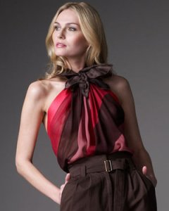 marc-jacobs-shares-elegance-in-halter-top-profile