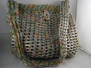 multi-color_crocheted_pop-tab_purse_with_matching_crochet_liner_8f8a5da5