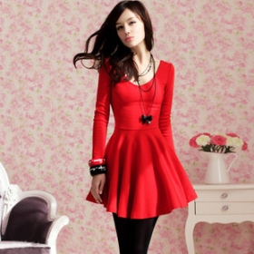 Red-tight-fitting-long-sleeved-dress-clothes_7288294_5