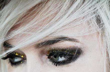 black_yellow_glitter_eyes