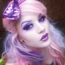 27283-Purple-Makeup-Girl