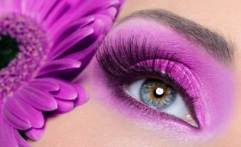 purple-eye-make-up-with-gerber-flower