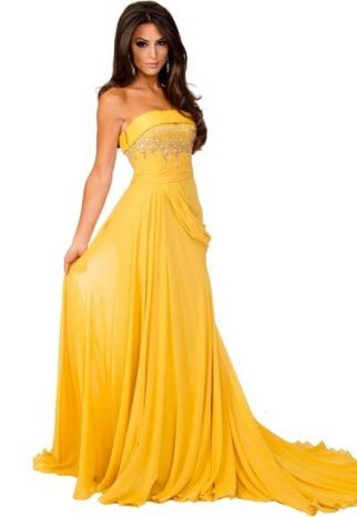 Michigan_gown