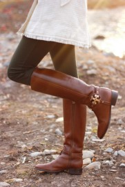 o85hx6-l-610x610-shoes-boots-brown-leather-boots-leather-brown-gold-zipper-knee-high-boots-heels
