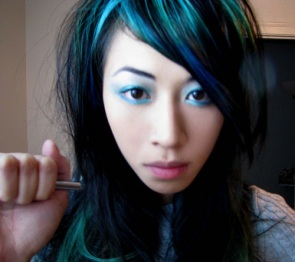 Dark-hair-with-green-highlights-images