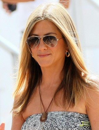 jennifer-aniston-ray-ban