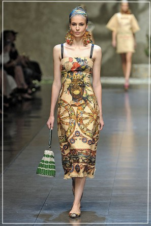 MILAN, ITALY - SEPTEMBER 23: A model walks the runway at the Dolce & Gabbana Spring/Summer 2013 fashion show as part of Milan Womenswear Fashion Week on September 23, 2012 in Milan, Italy. (Photo by Victor VIRGILE/Gamma-Rapho via Getty Images)