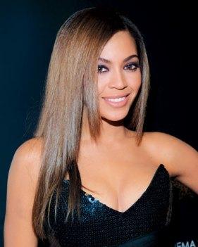 Beyonce cabelo liso e longo