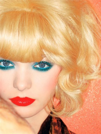 blue-eyeshadow-look-red-lips