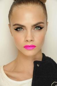 cara-delevigne-pink-lips-bright-lipstick-summer-2013-makeup-trends