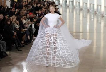 AP-Paris-Fashion-Stephane-4-760x519
