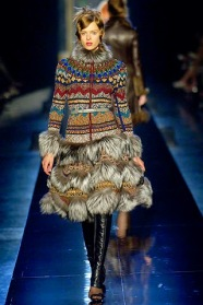 Knitted Fashion on the Catwalk 02