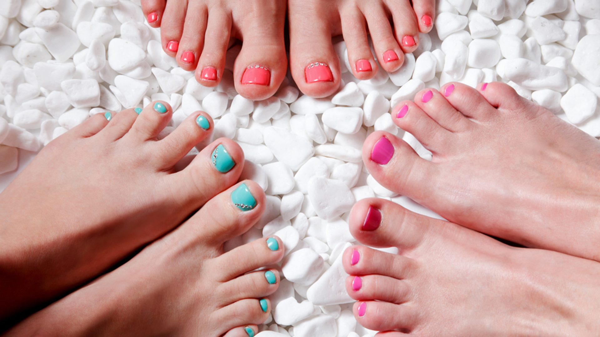 painted-toenails-today-150707-stock-tease_675ae4c5f10b7eee77e1a6d59099862b.jpg