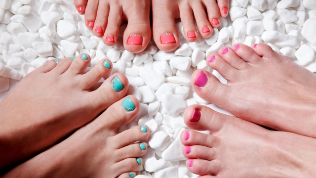 painted-toenails-today-150707-stock-tease_675ae4c5f10b7eee77e1a6d59099862b.jpg