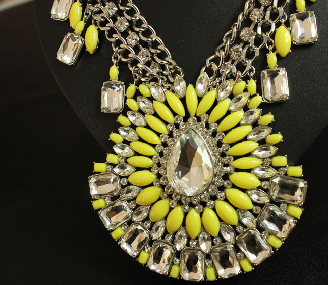 Wholesale New Fashion Women Luxury Vintage Glass Crystal Resin Big Yellow Chunky Costume Jewelry