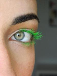 diy-colored-mascara-how-to-2-different-ways-l-4y0g_o