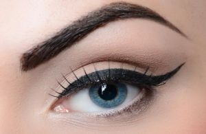 make-your-eyebrows-look-thicker