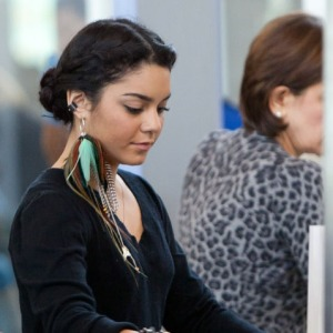 vanessa-hudgens-feather-earring