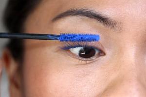 yves-saint-laurent-majorelle-blue-eye