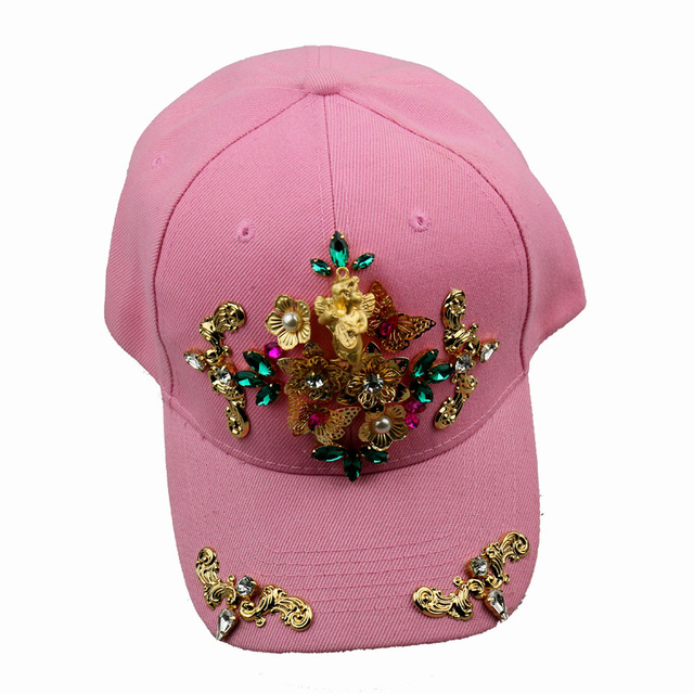 2016-european-fashion-catwalk-baroque-punk-trends-baseball-cap-and-duck-tongue-hat-accessories-0136-jpg_640x640