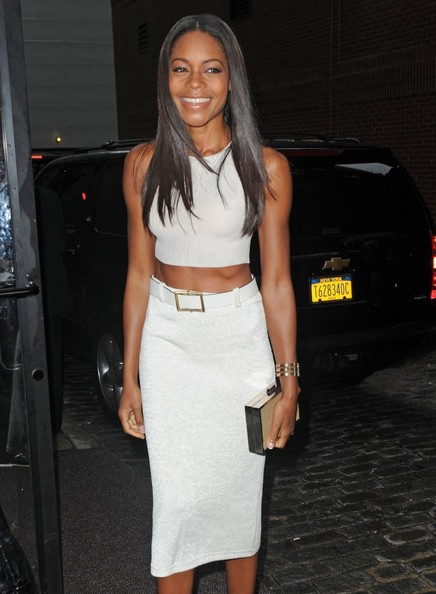 naomie-harris-calvin-klein-spring-2014-fashion-show-calvin-klein-crop-top-high-waist-belted-pencil-skirt-1