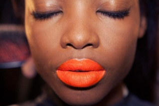 bright-neon-orange-lipstick-for-daring-brides-full